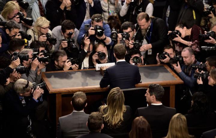 Marck Zuckerberg en su comparecencia en el Congreso de los EUA. Grandes plataformas.
